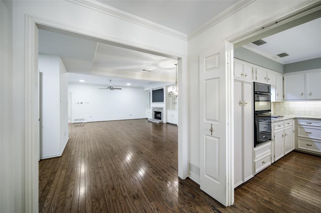 40 Crown  Place, Richardson, Texas 75080 - acquisto real estate best allen realtor kim miller hunters creek expert