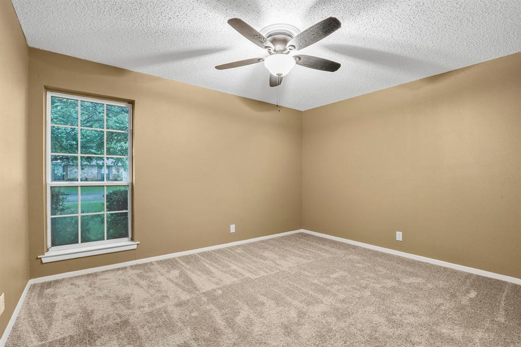800 Prestwick  Street, Bedford, Texas 76022 - acquisto real estate best negotiating realtor linda miller declutter realtor