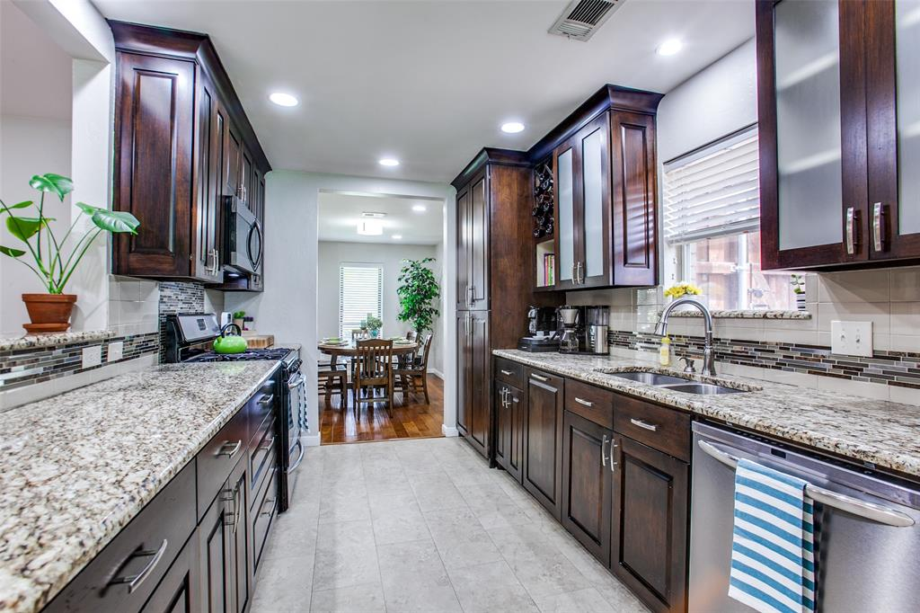315 Woodcrest  Drive, Richardson, Texas 75080 - acquisto real estate best real estate company to work for