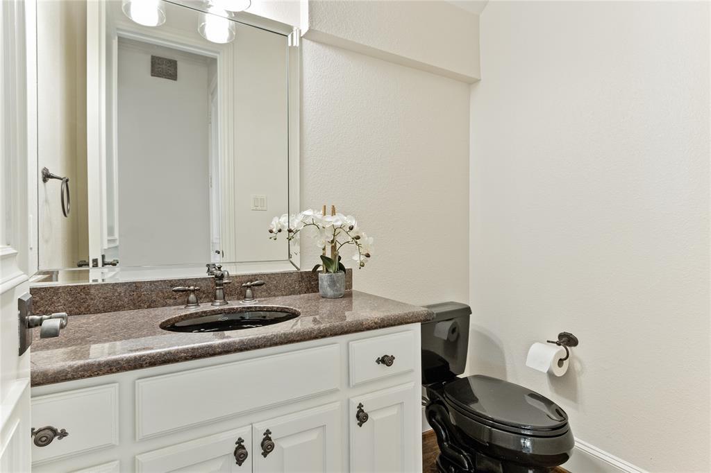 4929 Alcott  Street, Dallas, Texas 75206 - acquisto real estate best photo company frisco 3d listings