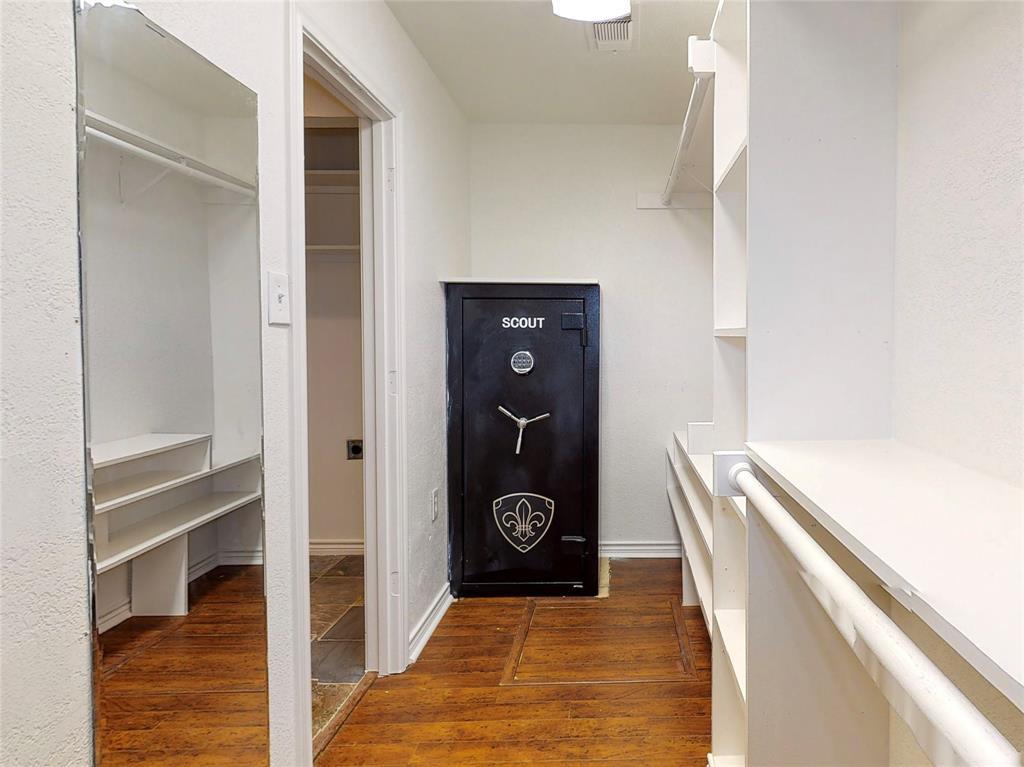 6602 Yosemite  Lane, Dallas, Texas 75214 - acquisto real estate best negotiating realtor linda miller declutter realtor