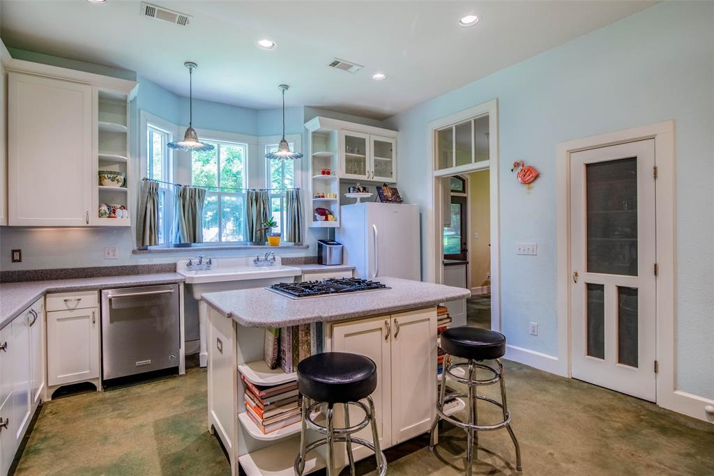 2340 Washington  Street, Sherman, Texas 75092 - acquisto real estate best photos for luxury listings amy gasperini quick sale real estate