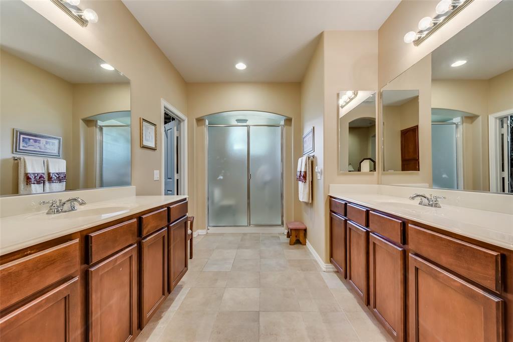 8917 Crestview  Drive, Denton, Texas 76207 - acquisto real estate best investor home specialist mike shepherd relocation expert