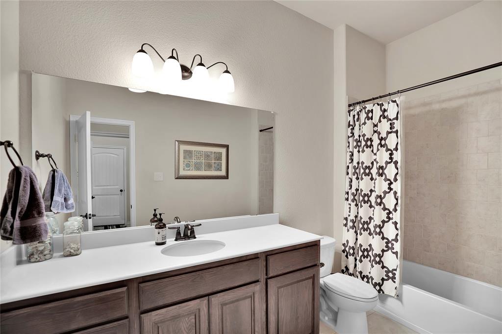 543 La Grange  Drive, Fate, Texas 75087 - acquisto real estate best park cities realtor kim miller best staging agent