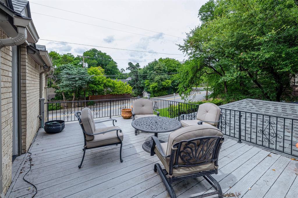 1154 Edgefield  Avenue, Dallas, Texas 75208 - acquisto real estate best prosper realtor susan cancemi windfarms realtor
