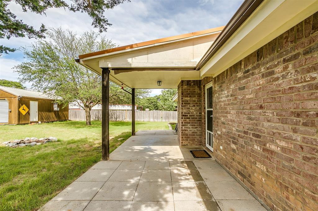 1107 6th  Street, Springtown, Texas 76082 - acquisto real estate best luxury home specialist shana acquisto