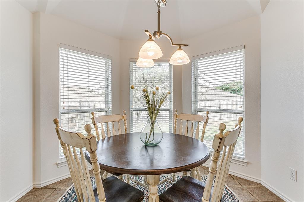 203 Seminole  Trail, Alvarado, Texas 76009 - acquisto real estate best realtor dfw jody daley liberty high school realtor