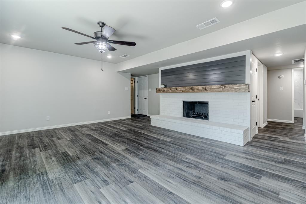 6221 Glenmoor  Drive, Garland, Texas 75043 - acquisto real estate best new home sales realtor linda miller executor real estate