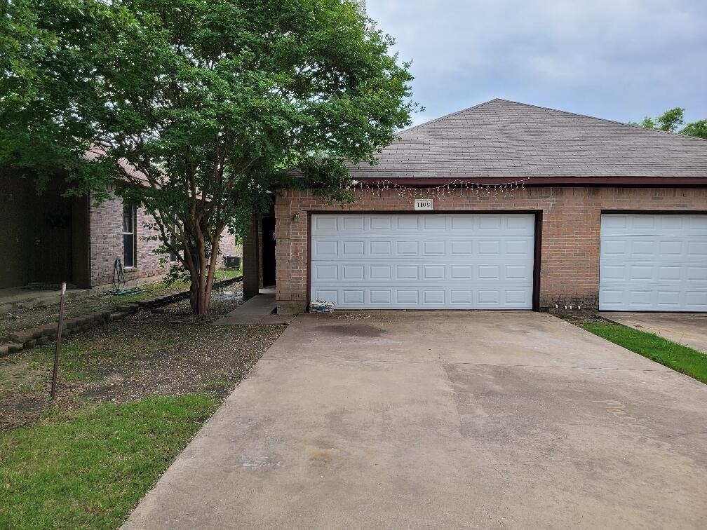 1109 Redman Court  Mesquite, Texas 75149 - Acquisto Real Estate best plano realtor mike Shepherd home owners association expert
