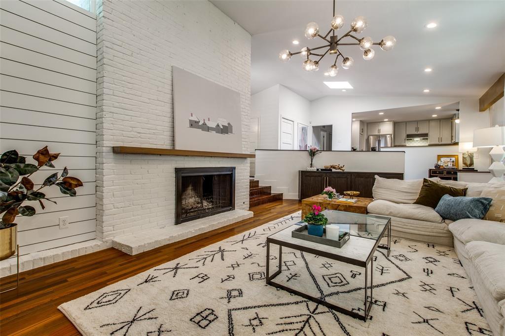 33 Creekwood  Circle, Richardson, Texas 75080 - Acquisto Real Estate best plano realtor mike Shepherd home owners association expert