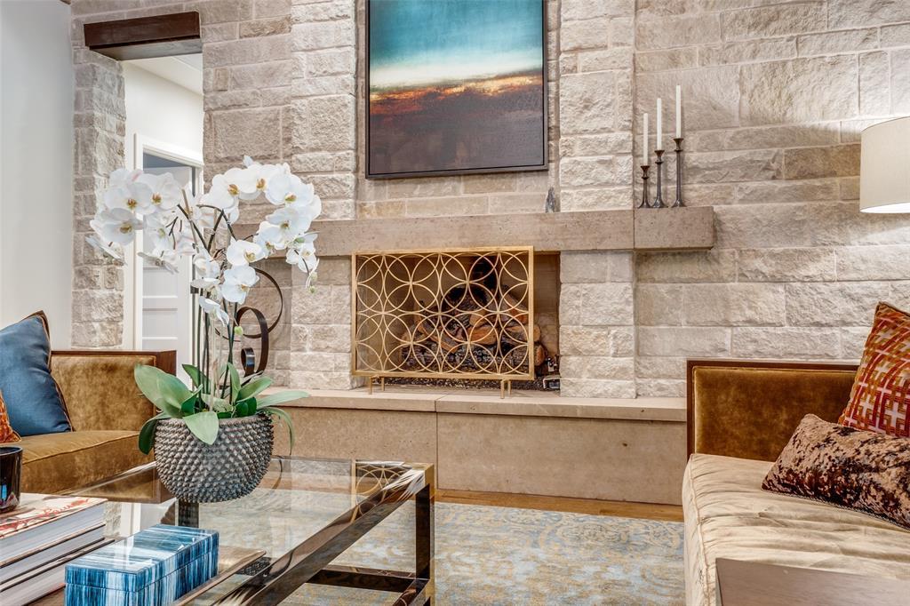 11232 Russwood  Circle, Dallas, Texas 75229 - acquisto real estate best listing agent in the nation shana acquisto estate realtor