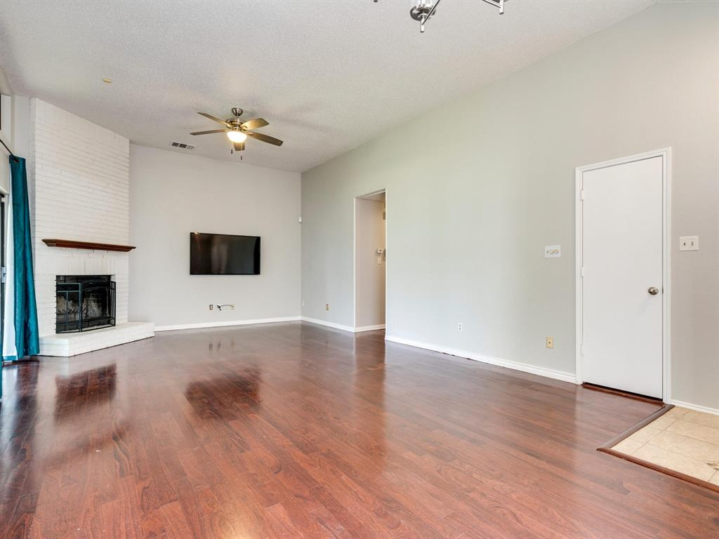 210 Mahogany  Drive, Arlington, Texas 76018 - acquisto real estate best the colony realtor linda miller the bridges real estate
