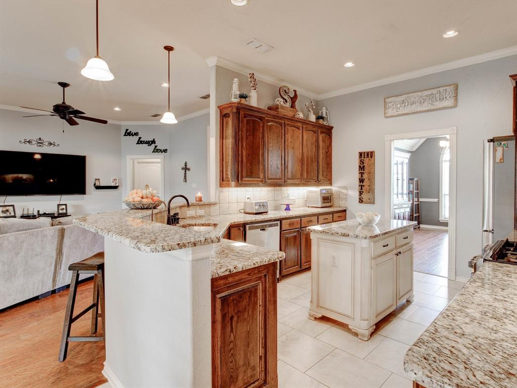 104 Tealwood  Lane, Aledo, Texas 76008 - acquisto real estaet best boutique real estate firm in texas for high net worth sellers