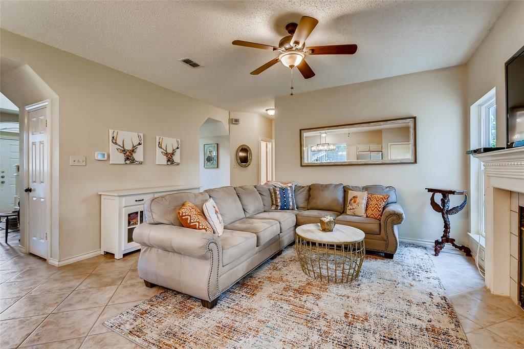 1220 Trinity  Drive, Benbrook, Texas 76126 - acquisto real estate best new home sales realtor linda miller executor real estate