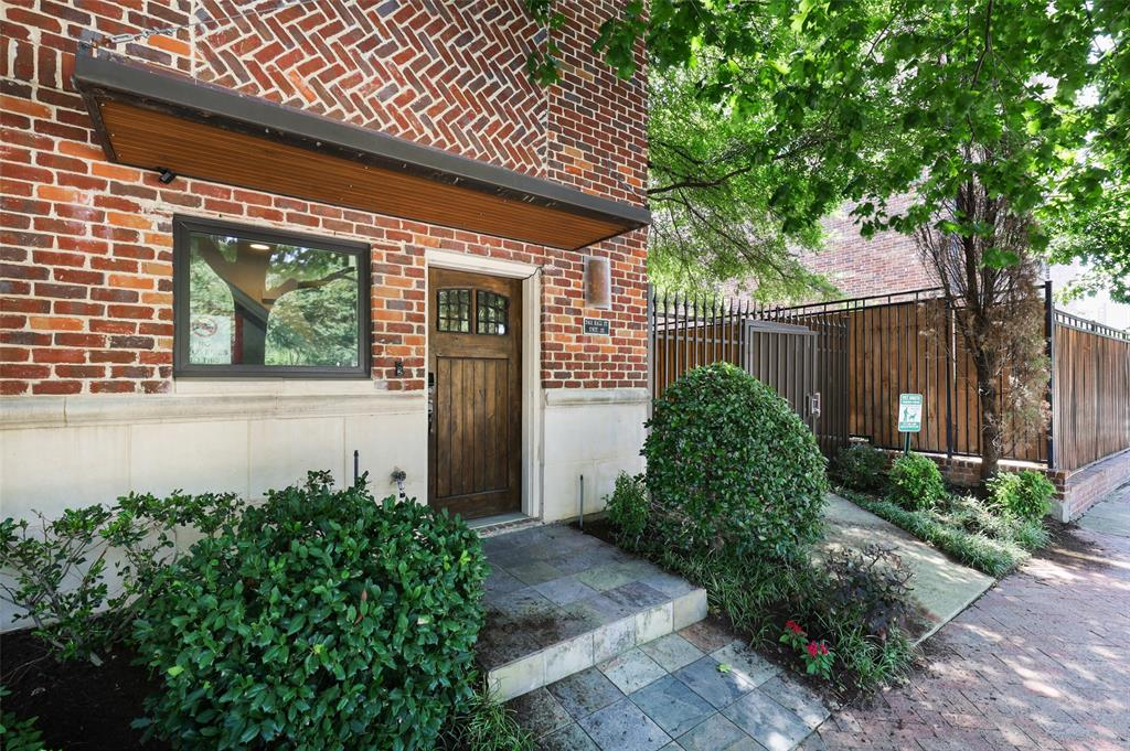 2411 Hall  Street, Dallas, Texas 75204 - Acquisto Real Estate best plano realtor mike Shepherd home owners association expert