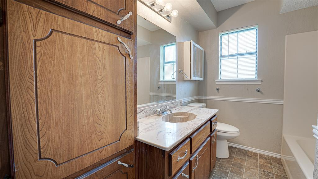 329 Hyles  Street, Italy, Texas 76651 - acquisto real estate best investor home specialist mike shepherd relocation expert