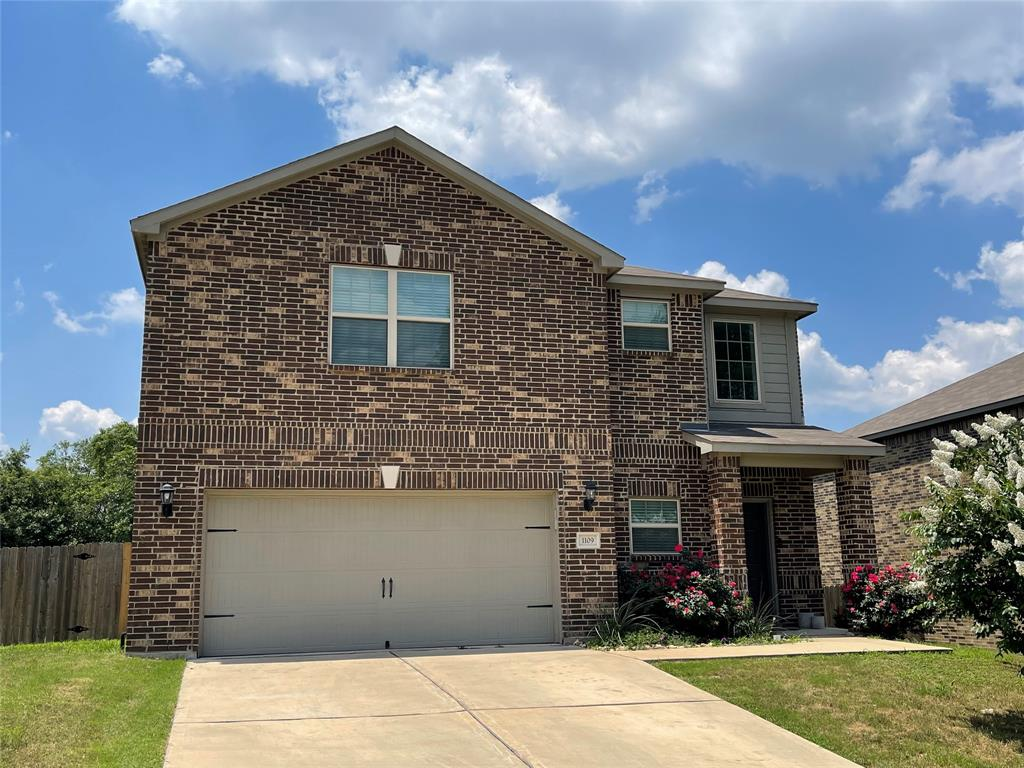 1109 Oak Creek  Drive, Hutchins, Texas 75141 - Acquisto Real Estate best plano realtor mike Shepherd home owners association expert