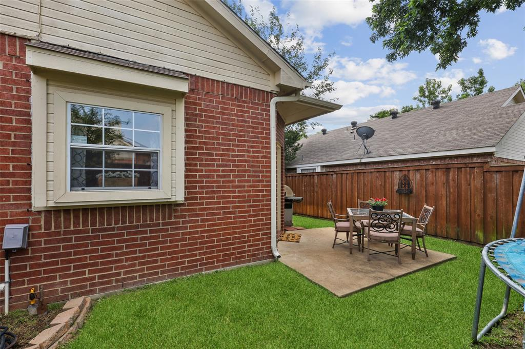 8105 Bells  Street, Frisco, Texas 75035 - acquisto real estate best frisco real estate agent amy gasperini panther creek realtor