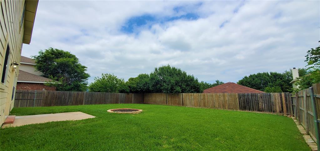 2324 Lookout  Lane, Denton, Texas 76207 - acquisto real estate best designer and realtor hannah ewing kind realtor