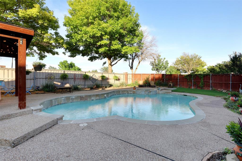 407 Clover Leaf  Lane, McKinney, Texas 75072 - acquisto real estate best plano real estate agent mike shepherd