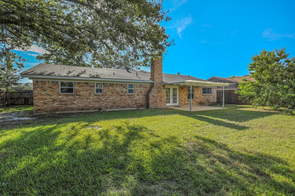 800 Prestwick  Street, Bedford, Texas 76022 - acquisto real estate best real estate follow up system katy mcgillen