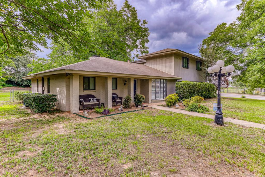 807 Hilltop  Drive, Weatherford, Texas 76086 - Acquisto Real Estate best plano realtor mike Shepherd home owners association expert