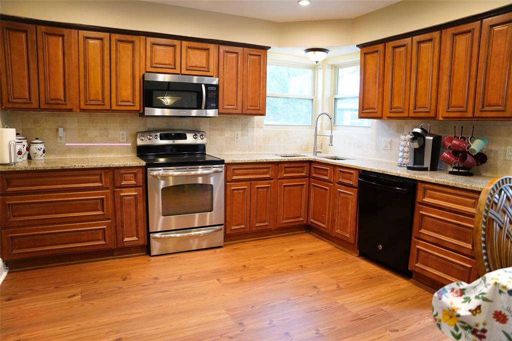 7312 Forrest  Court, North Richland Hills, Texas 76182 - acquisto real estate best real estate company to work for