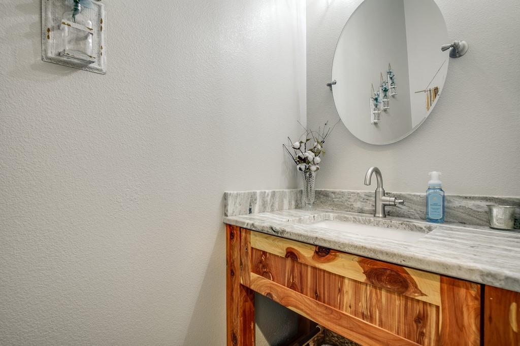 18128 Briarwood  Drive, Kemp, Texas 75143 - acquisto real estate best designer and realtor hannah ewing kind realtor