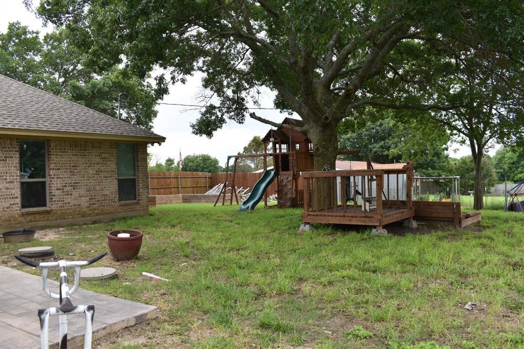 137 Kinbrook  Lane, Weatherford, Texas 76087 - acquisto real estate best realtor dfw jody daley liberty high school realtor