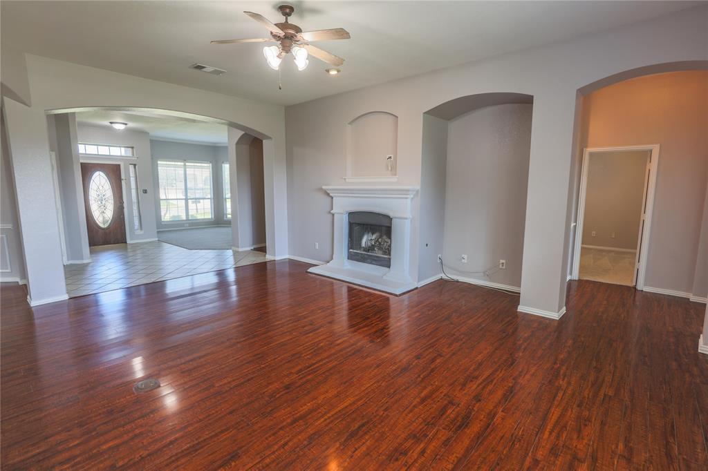 8104 Toltec  Court, Arlington, Texas 76002 - acquisto real estate best highland park realtor amy gasperini fast real estate service