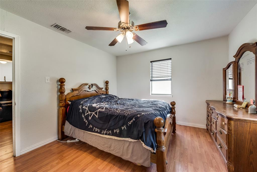 5020 Thurston  Road, River Oaks, Texas 76114 - acquisto real estate best new home sales realtor linda miller executor real estate