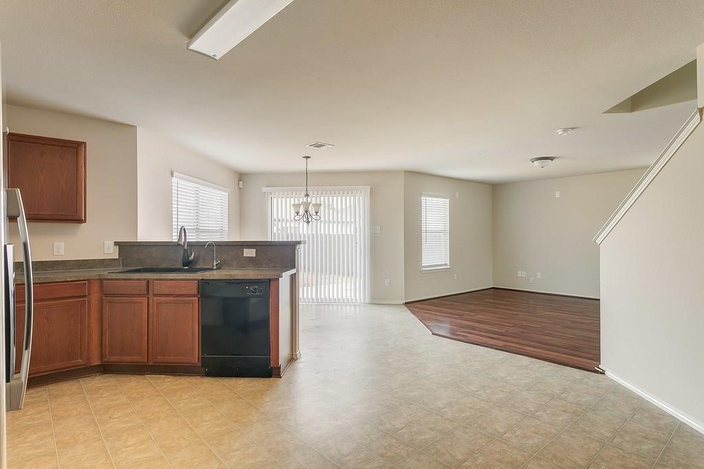 8620 Star Thistle  Drive, Fort Worth, Texas 76179 - acquisto real estate best real estate company in frisco texas real estate showings
