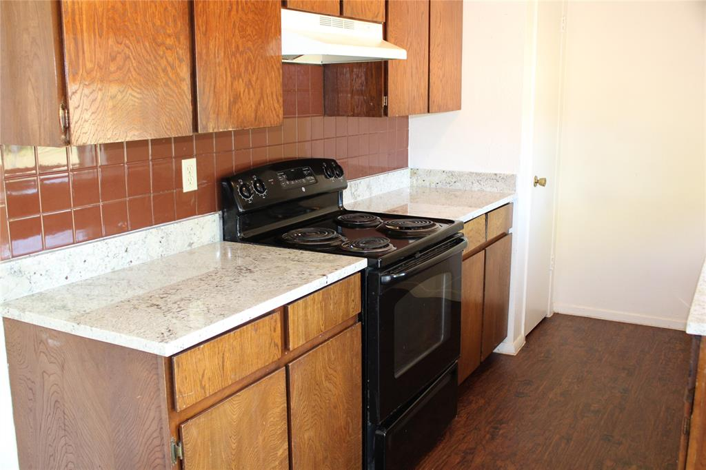 425 Hastings  Drive, Cedar Hill, Texas 75104 - acquisto real estate best prosper realtor susan cancemi windfarms realtor