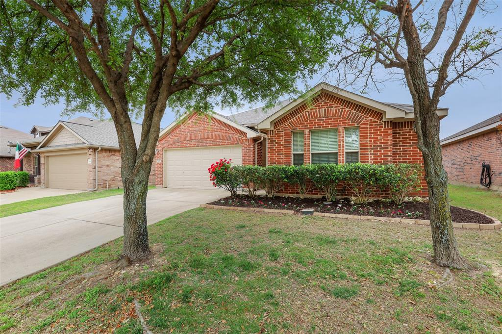 1432 Castlegar  Lane, Fort Worth, Texas 76247 - acquisto real estate best luxury home specialist shana acquisto
