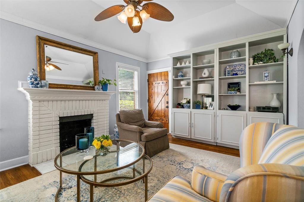 703 Valencia  Street, Dallas, Texas 75223 - Acquisto Real Estate best mckinney realtor hannah ewing stonebridge ranch expert