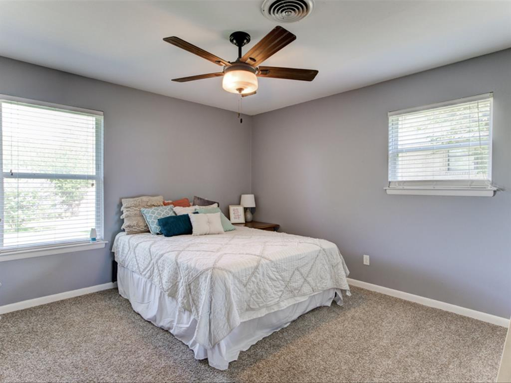 5621 Wedgworth  Road, Fort Worth, Texas 76133 - acquisto real estate best frisco real estate agent amy gasperini panther creek realtor