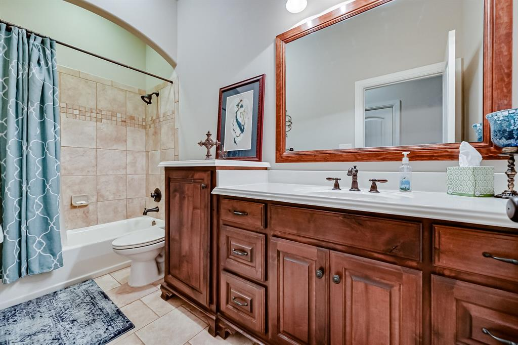 1040 Falcon Creek  Drive, Kennedale, Texas 76060 - acquisto real estate best park cities realtor kim miller best staging agent