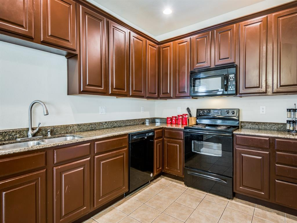 110 Barrington  Lane, Lewisville, Texas 75067 - acquisto real estate best real estate company to work for