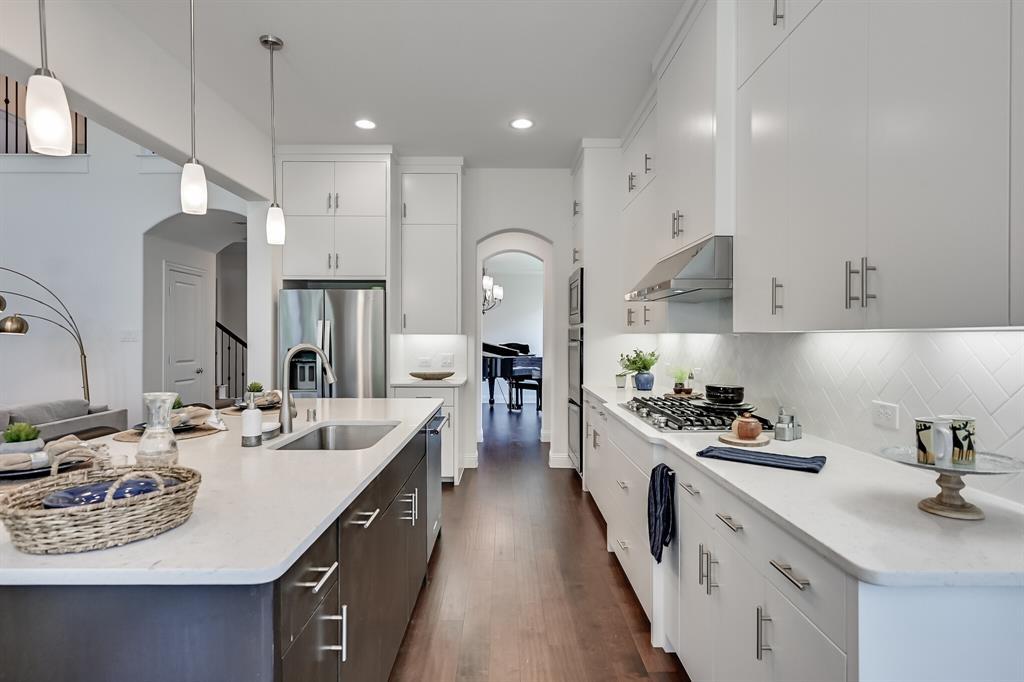 10913 Autumn Leaf  Court, Flower Mound, Texas 76226 - acquisto real estate best new home sales realtor linda miller executor real estate