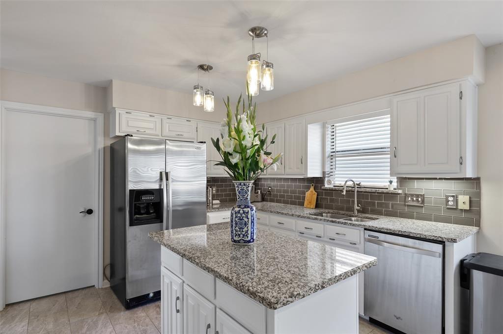 6304 Telluride  Lane, Dallas, Texas 75252 - acquisto real estate best celina realtor logan lawrence best dressed realtor