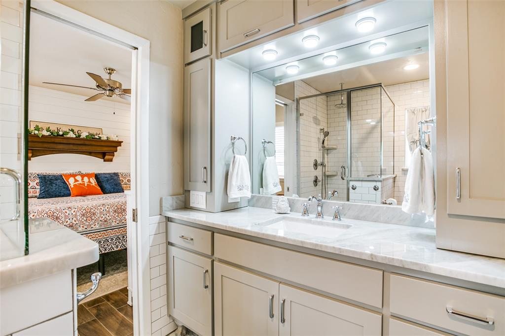 809 Wheelwood  Drive, Hurst, Texas 76053 - acquisto real estaet best boutique real estate firm in texas for high net worth sellers