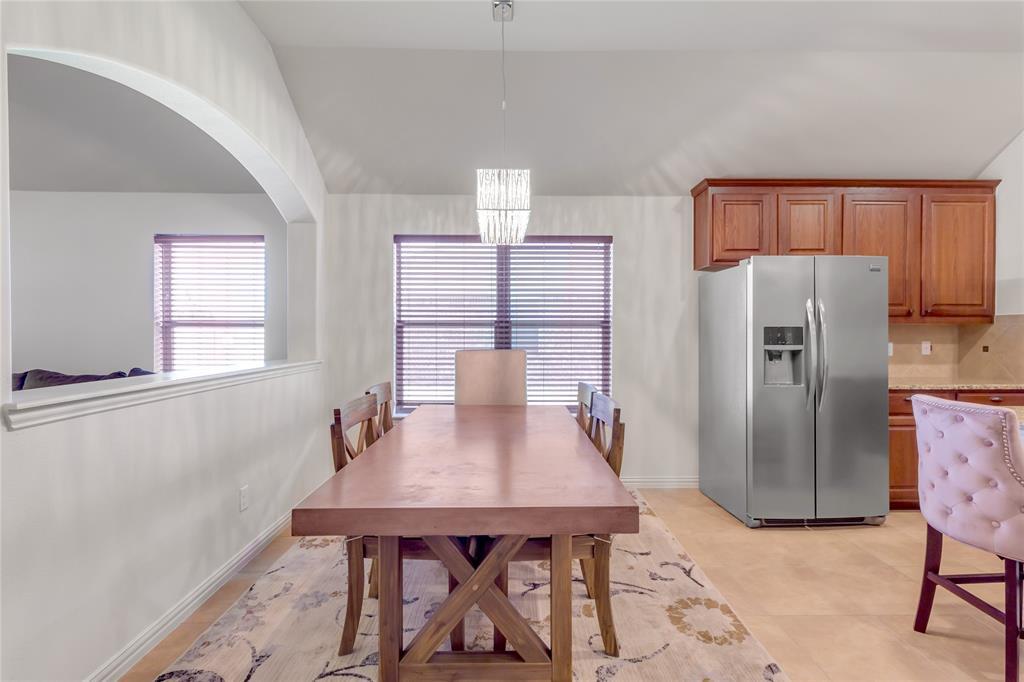 729 Sendero  Drive, Arlington, Texas 76002 - acquisto real estate best real estate company to work for