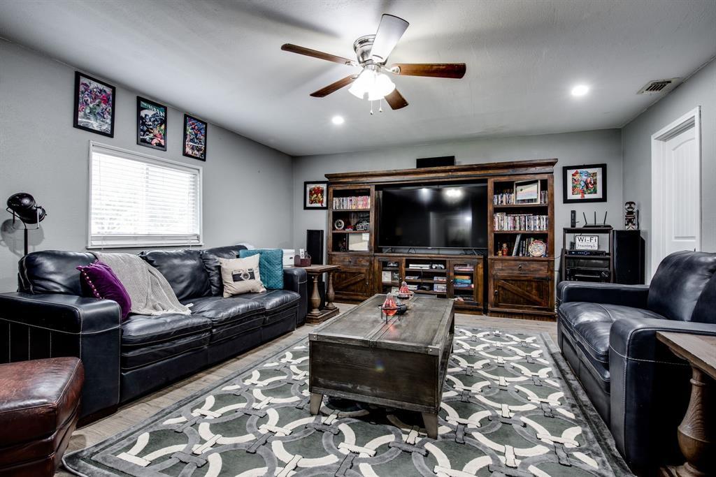 413 Colorado  Street, Sherman, Texas 75090 - acquisto real estate best realtor foreclosure real estate mike shepeherd walnut grove realtor