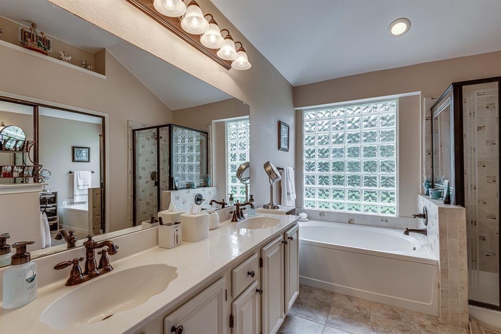 2205 Villanova  Street, Arlington, Texas 76018 - acquisto real estate best highland park realtor amy gasperini fast real estate service