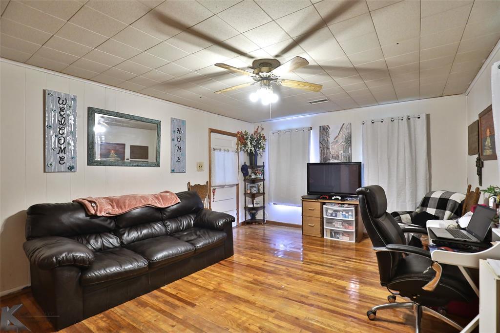 813 Orient  Street, Stamford, Texas 79553 - acquisto real estate best highland park realtor amy gasperini fast real estate service