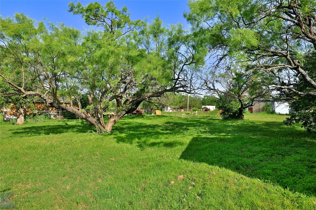 813 Orient  Street, Stamford, Texas 79553 - acquisto real estate best negotiating realtor linda miller declutter realtor