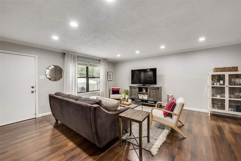 5010 Lahoma  Dallas, Texas 75235 - acquisto real estate best highland park realtor amy gasperini fast real estate service