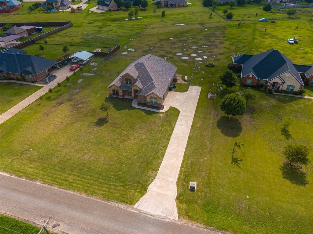 825 Broadhead  Road, Waxahachie, Texas 75165 - acquisto real estate best plano real estate agent mike shepherd