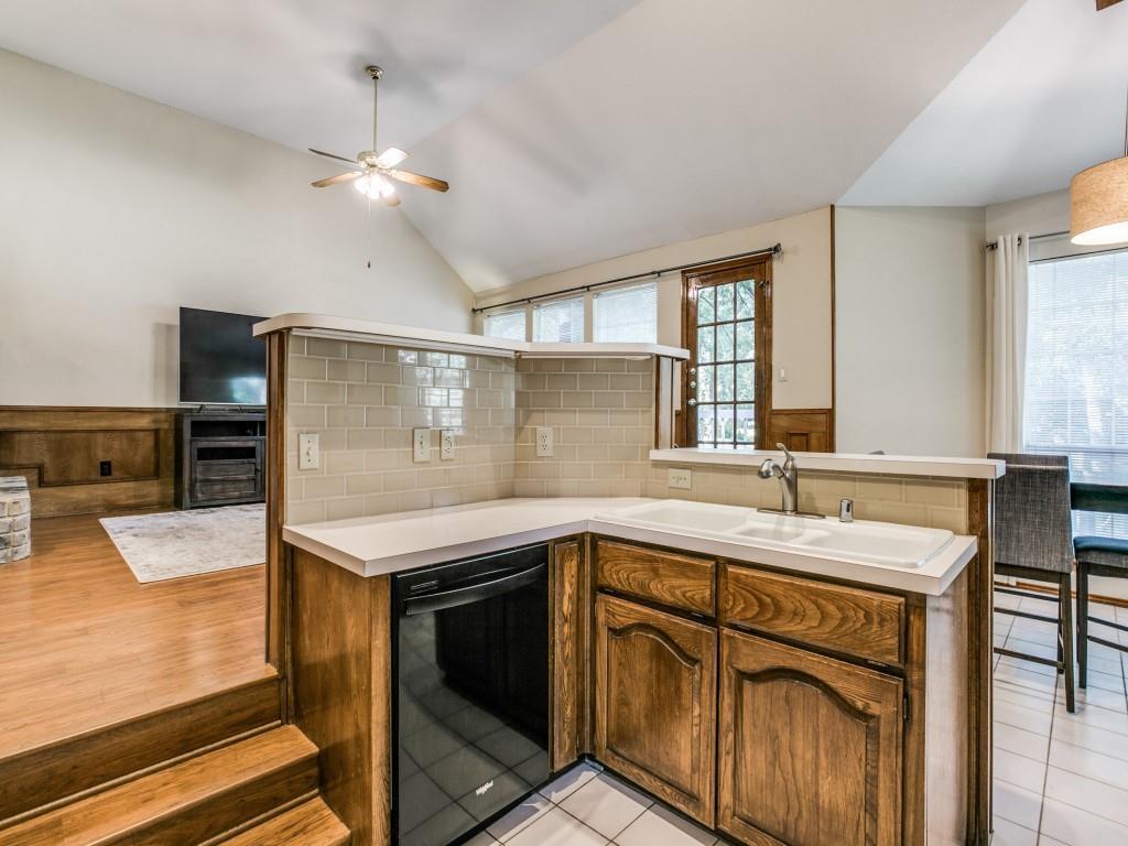 2755 Fernwood  Drive, Highland Village, Texas 75077 - acquisto real estate best realtor dfw jody daley liberty high school realtor