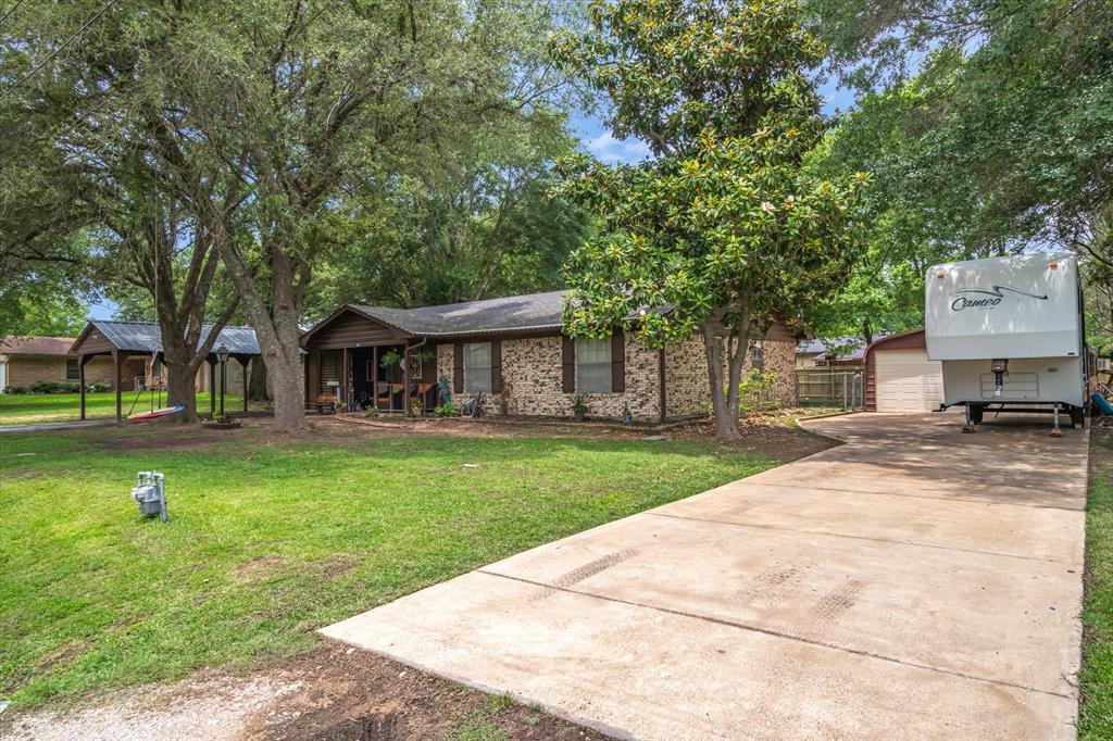 802 Lindy  Drive, Grand Saline, Texas 75140 - Acquisto Real Estate best mckinney realtor hannah ewing stonebridge ranch expert